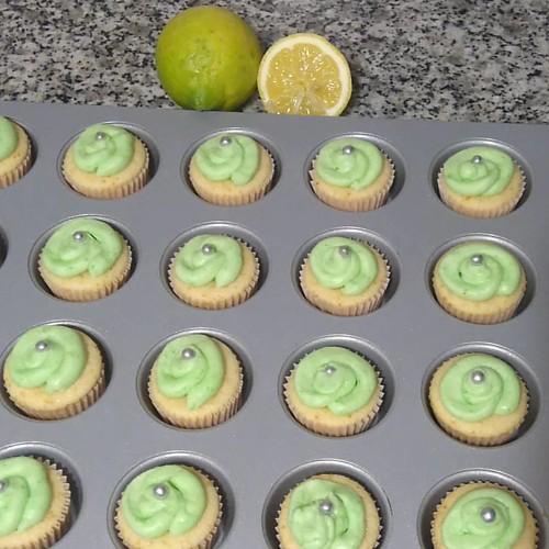 Minicupcakes de limón #Minicupcakes #limon #lemon #lemonbuttercream #buttercream #frosting #sweet #dessert
