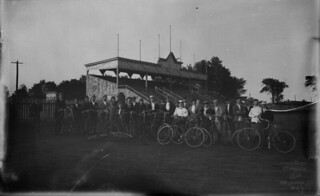 Bicycle Club at the Athletic Park, Stratford, Ontario / Club de vélo au terrain d'athlétisme, Stratford (Ontario)