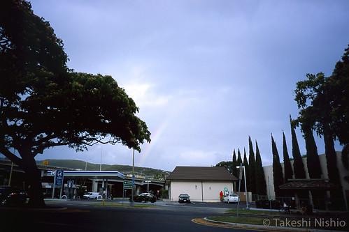 バスを待つ間に虹が出た / Rainbow appears while waiting for a bus