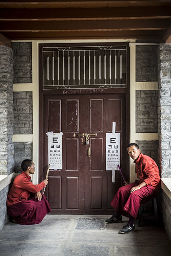 Monks and Dual Eyecharts