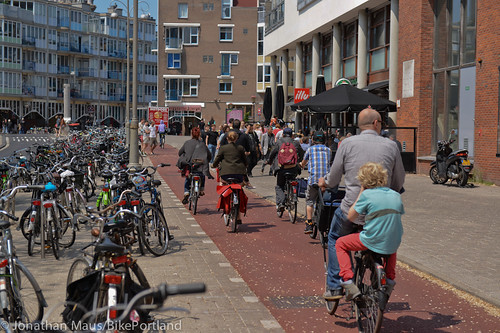 Sunday afternoon on Jodenbreestraat-7