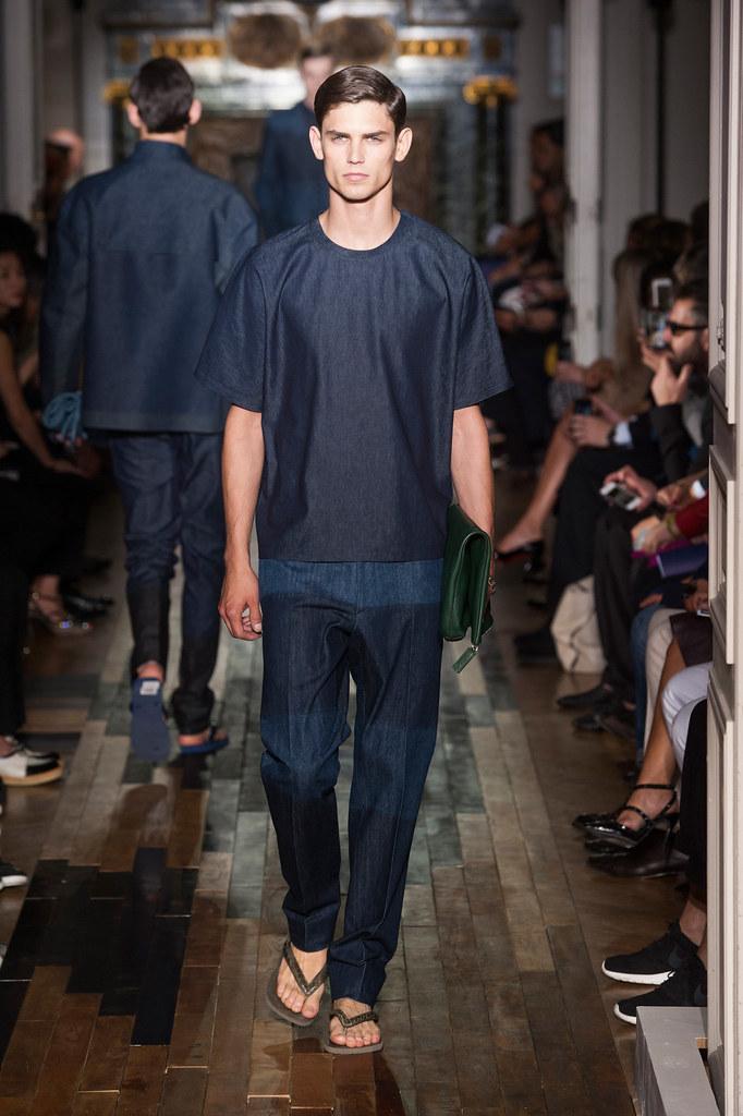 SS14 Paris Valentino013_Arthur Gosse(fashionising.com)