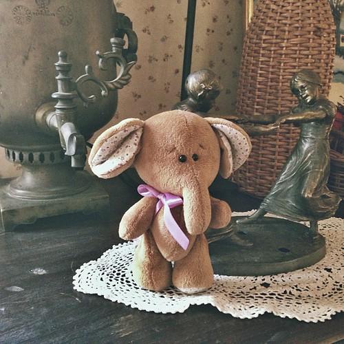 Слон:)