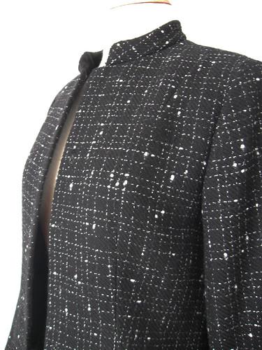 bl-wh jacket closeup