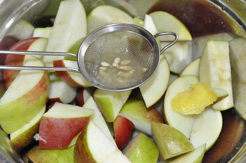 apple sauce in the slow cooker 5