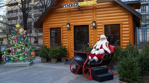 Toronto-Eaton-Centre-Santa's-Log-Cabin-2013