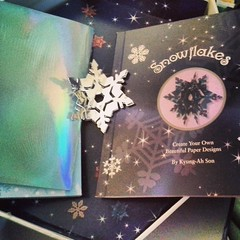 Got this kit at a tbrift shop for $1 and want to make some later...love snowflakes!