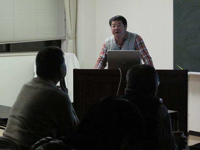 内藤先生の熱心なお話に参加者は熱心に聞き入り,質問も多く飛びだした.