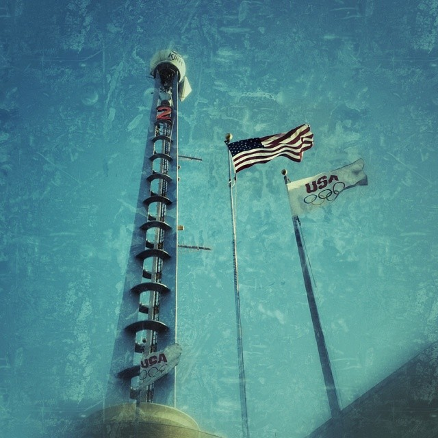 #snapseed #flags #televisiontower #channel2 #tower #tulsa #oklahoma #igersok #best_skyshots