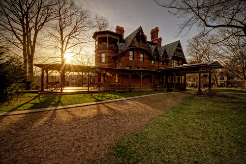 sunset house history home museum spring connecticut gothic literary ct historic haunted flare mansion burst legend hartford marktwain 1874 nationallandmark asylumhill farmingtonavenue samuellclemens nookfarm legendtripping legendtrips