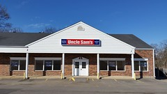 Permanently Closed Uncle Sam's Store - Manchester, MO_20170225_145625