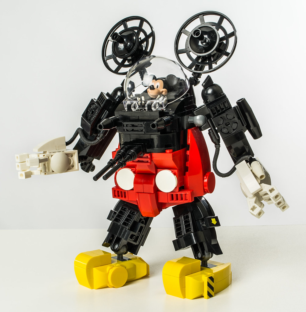 Mecha Mouse (custom built Lego model)