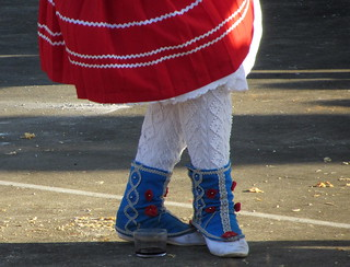 La danza del vaso (godaleta) entraña una gran dificultad (Grupo de Gamere-Zihiga 2013).