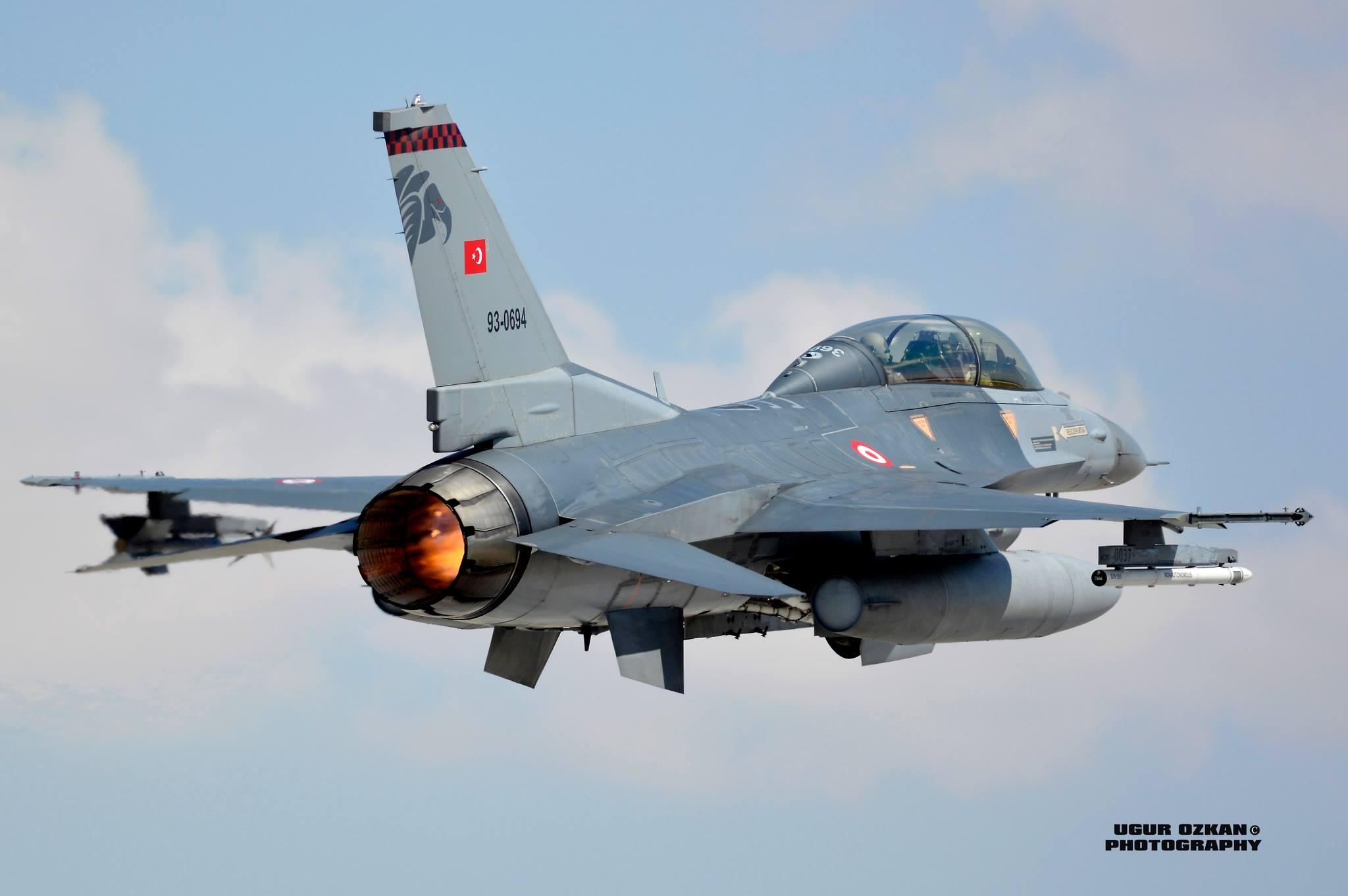 F-16 Fighting Falcon - Page 2 9099199681_4d8869e0f0_k