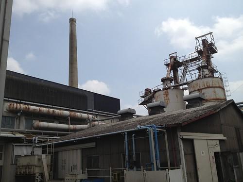 50年も前からある工場とのこと@日本山村ガラス東京工場