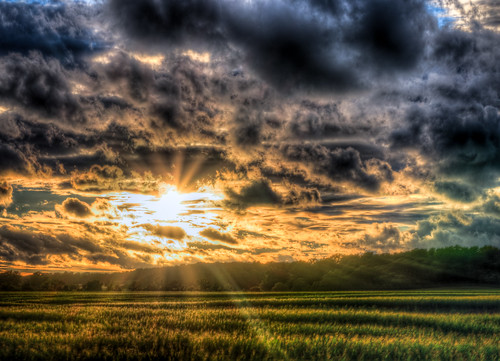 Country Sun Rays HDR