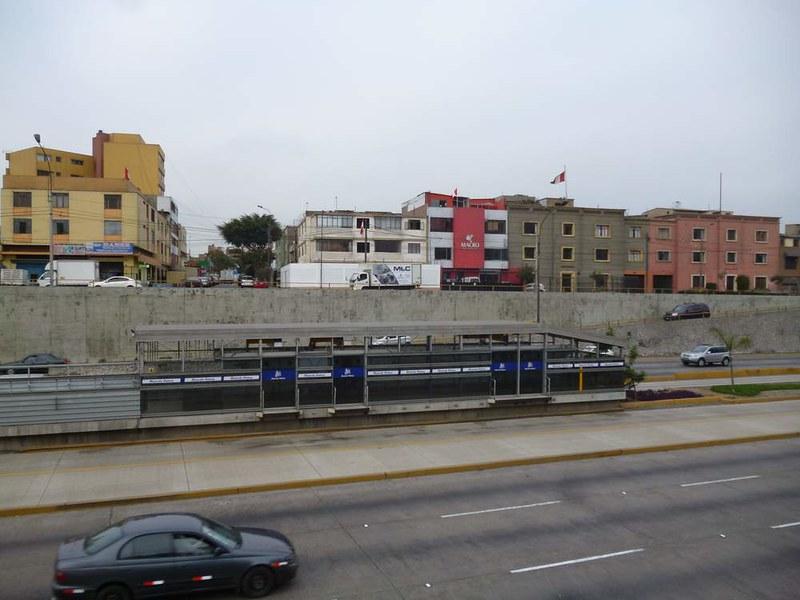 Bus platform in Lima