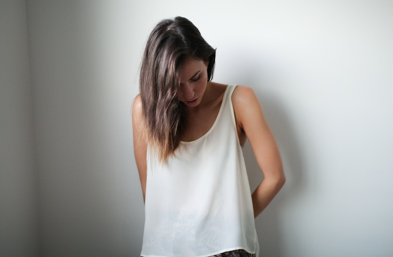 Modern Legacy fashion blog Australia Staple the Label silk tank top cream (1 of 2)