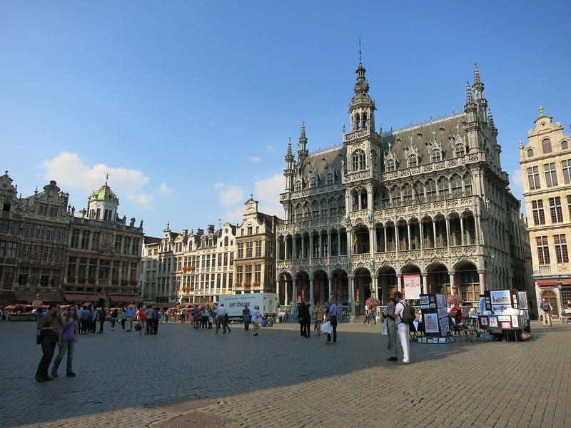 Grand-Place buildings.