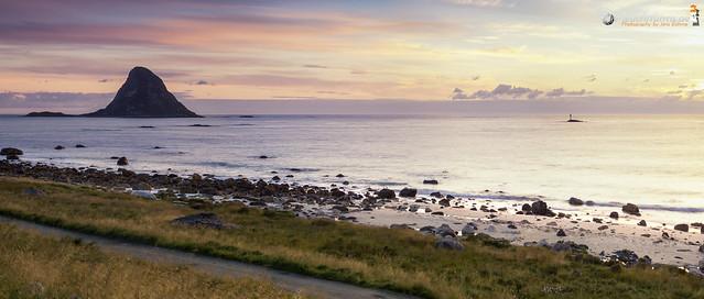 Bleiksøya and Bleik beach