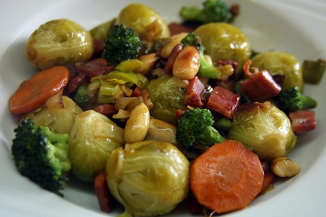 Salteado de Vegetales, jamón y Almendras (23)