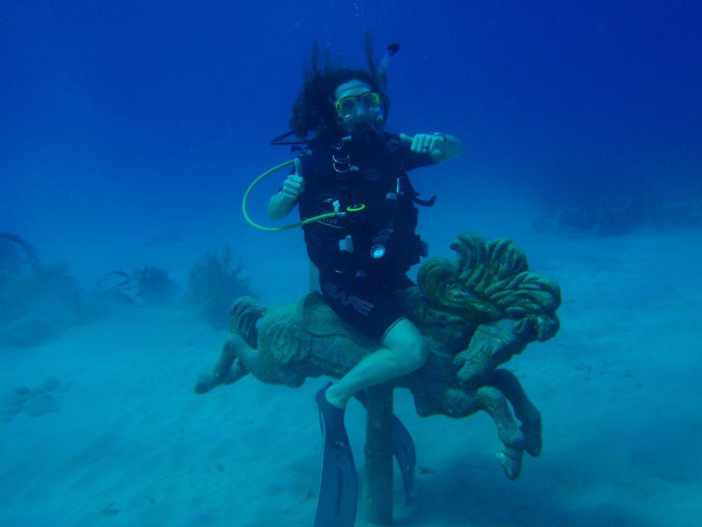 Melanie diving