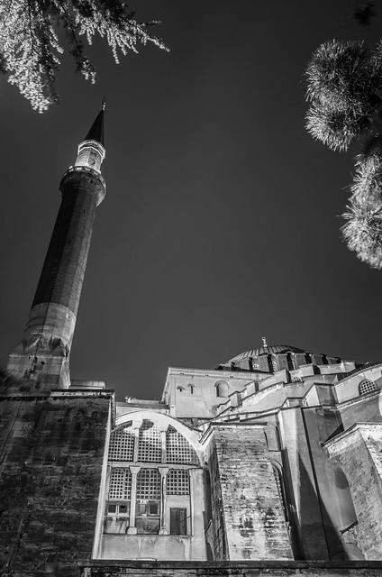 Agya Sofia at night