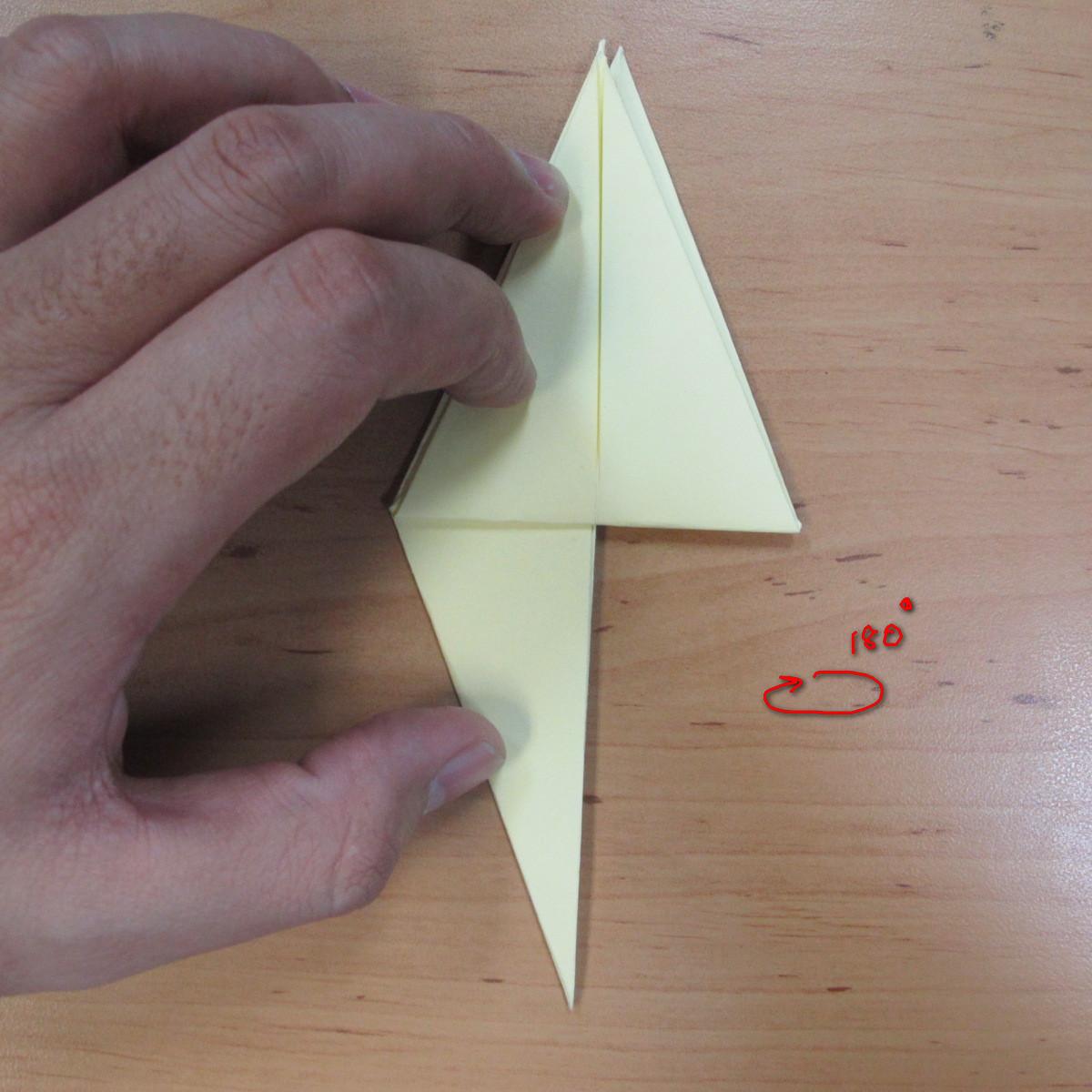วิธีพับกระดาษเป็นดอกกุหลายแบบเกลียว 015