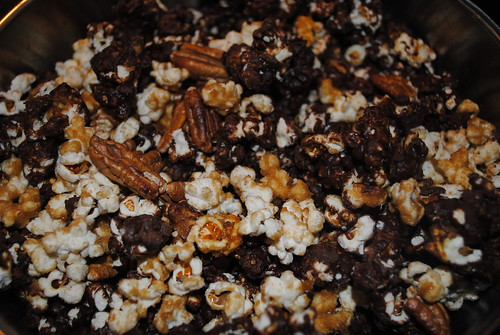 Chocolate Caramel Pecan Popcorn (3)
