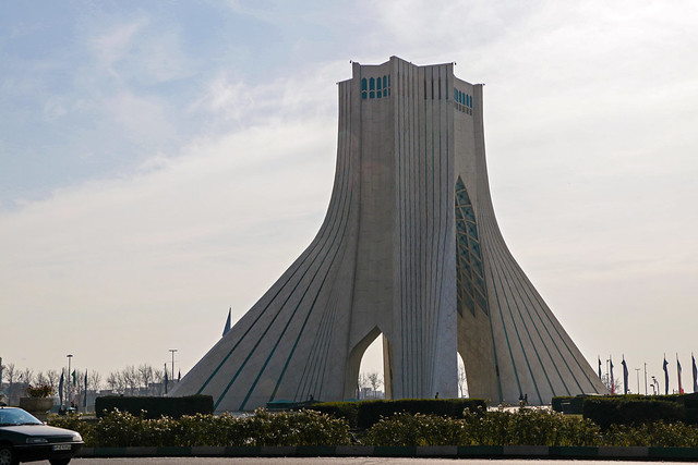 Azadi tower in Tehran テヘラン、アーザーディー・タワー