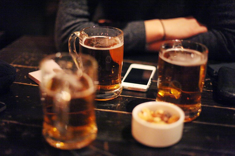 Beer and cute gurls