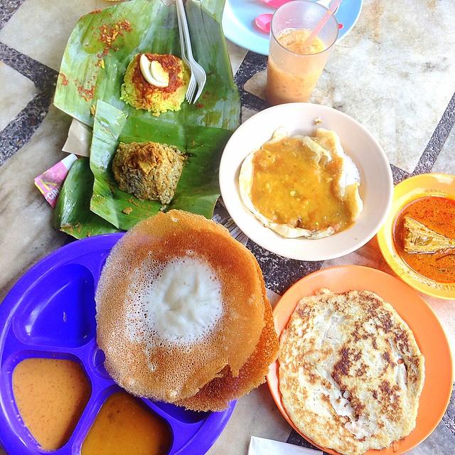 Halal breakfast in Penang Astaka Taman Tun Sardon-037