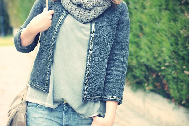 Maxi Jeans + Grey jacket