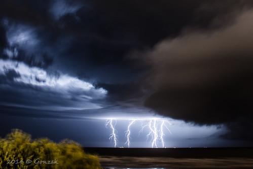 clouds uruguay nikon playa cielo nubes verano tormenta montevideo thunder gettyimages rayos raiz 2014 riodelaplata raices echar d7100 gonzak useta cloudsstormssunsetssunrises