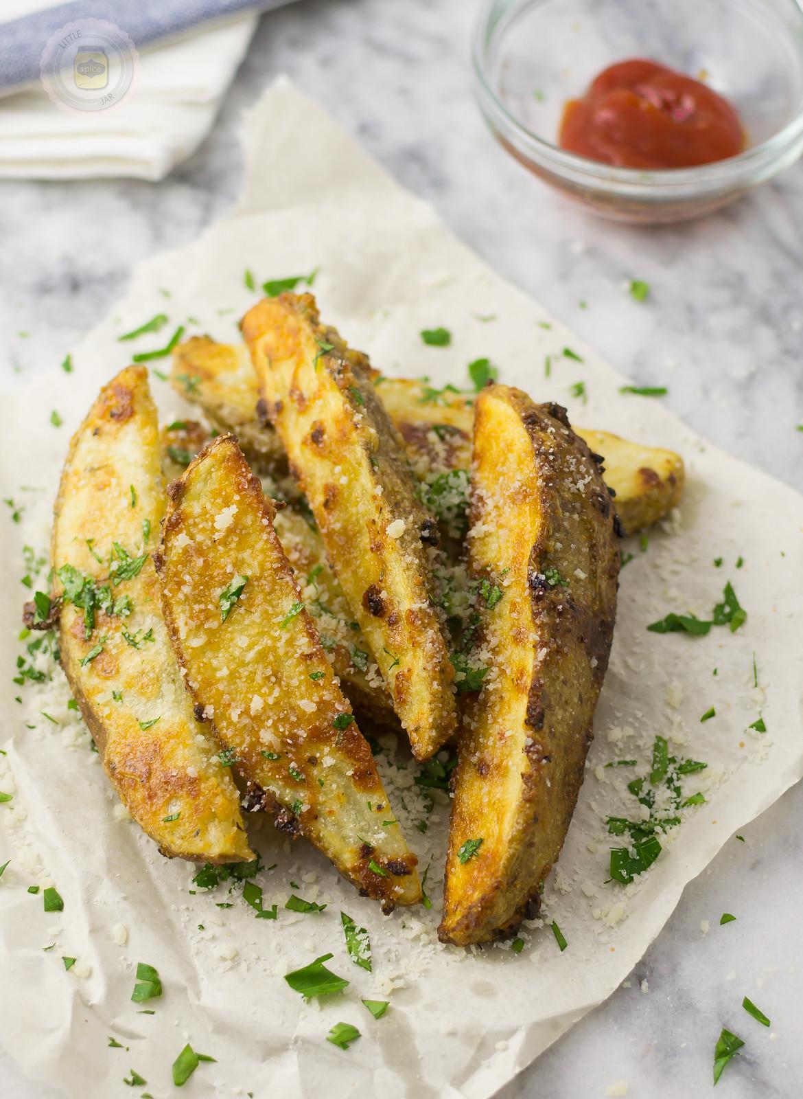 Healthy Garlic Parmesan Fries