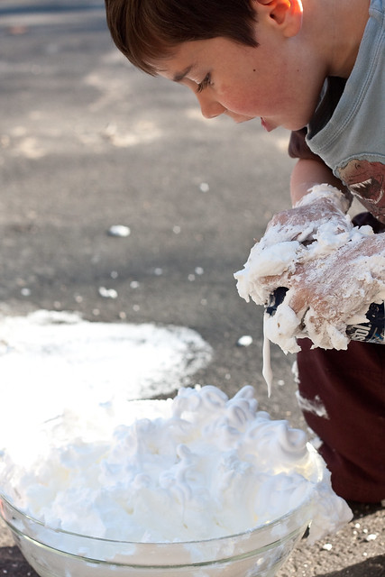 Outdoor Messy Play via The Risky Kids