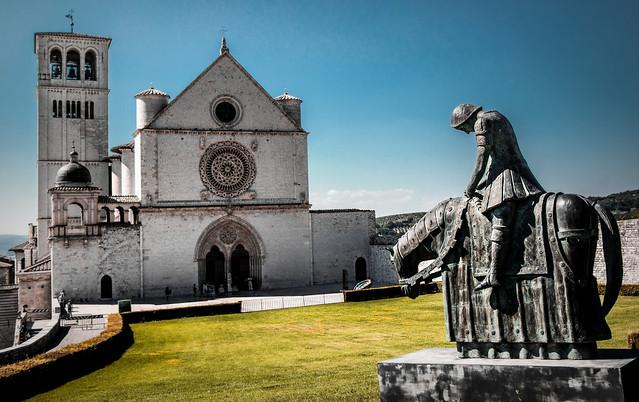 San Francesco giunge ad Assisi