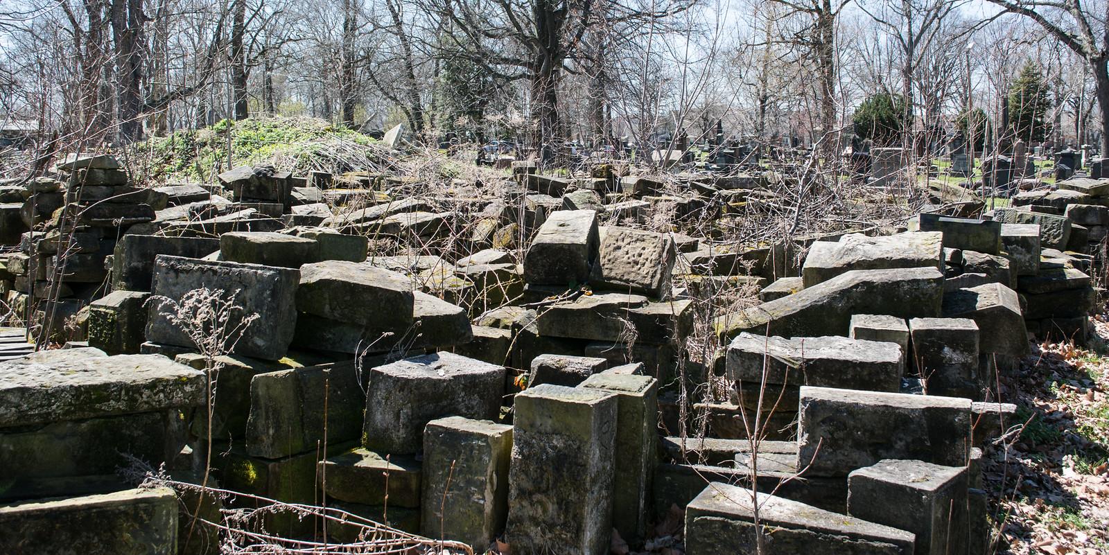 gatehouse stones 10 - Woodland Cemetery