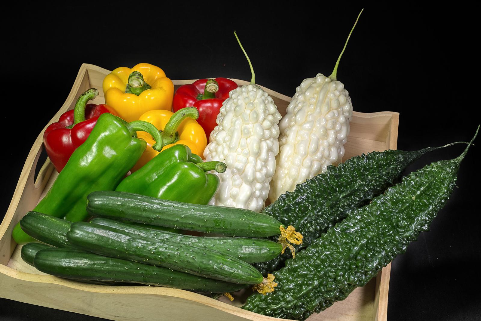 小黃瓜、白玉苦瓜、珍珠苦瓜、紅甜椒、黃甜椒、青椒