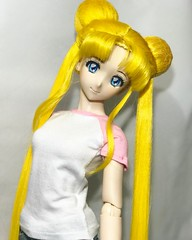 Serena's wig has been undergoing some maintenance. I think I'm finally happy with the changes. She's back! 😊 ❤️❤️❤️ #sailormoon #usagi #sailorscouts #dollfiedream #volksdoll #bjd #serena #sailormooncrystal #magicalgirls #anime #man