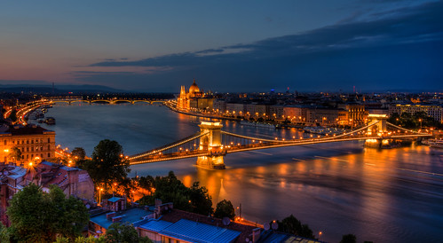 bridge blue house reflection water night reflections river lights nikon long exposure hungary suspension budapest trails roofs chain reflected trail le hour parlament danube hdr buda pest vr lánchíd széchenyi 18105mm d5100