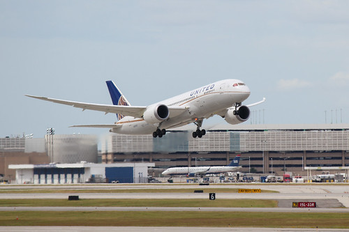 Boeing 787 Departure at IAH