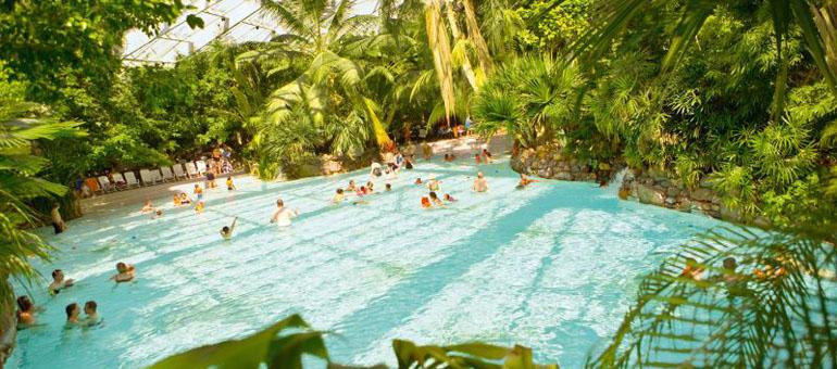 Center parc sologne maillot de bain ou short for Piscine center parc sologne