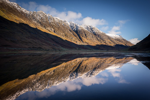 autumn reflection river scotland highlands nikon argyll cottage scottish calm na ridge glencoe 24mm mor buachaille nam etive aonach eagach lochaber lochan d600 stob beith coire locan achtriochtan coupall hachlais
