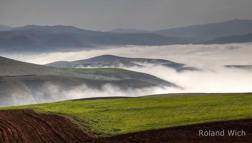fog landscape nebel iran azerbaijan east hills ost takan