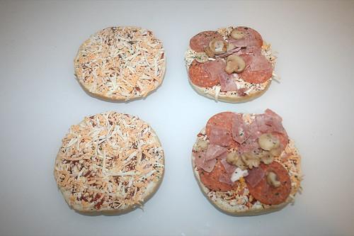 04 - Dr. Oetker Pizzaburger Speciale - Burger ausgepackt / Burger unwrapped