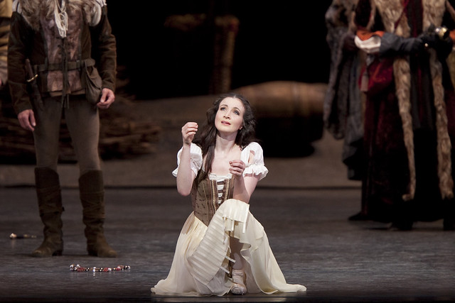Lauren Cuthbertson in Giselle, The Royal Ballet © Johan Persson