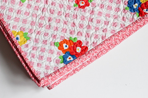 Lazy Daisy Quilt Pattern by Jeni Baker