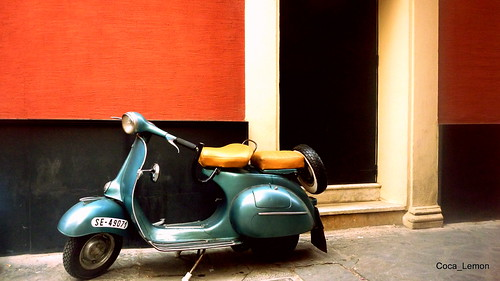 Sevilla_The blue Vespa by coca_lemon13
