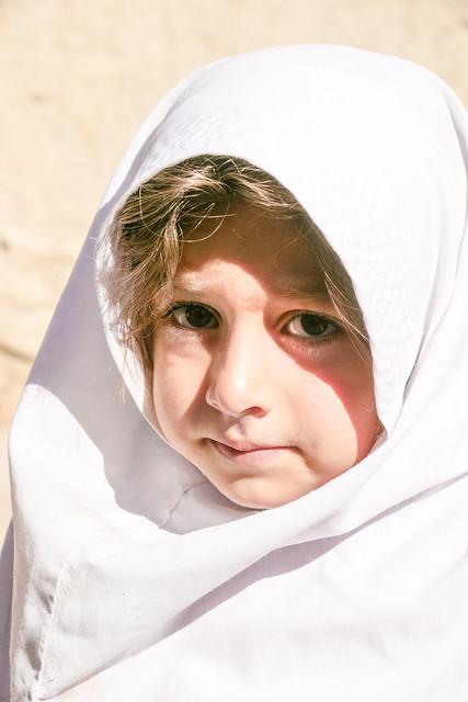 Qashqai girl, Firuzabad, Iran フィールーズ・アーバードのカシュガイ族少女